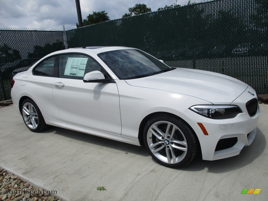 2016 2 Series 228i xDrive Coupe - Alpine White / Black photo #1