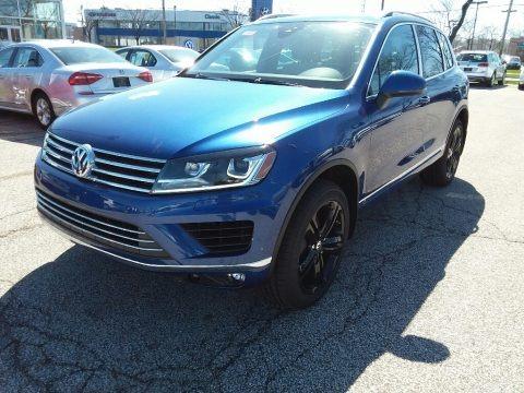 Reef Blue Metallic 2017 Volkswagen Touareg V6 Wolfsburg