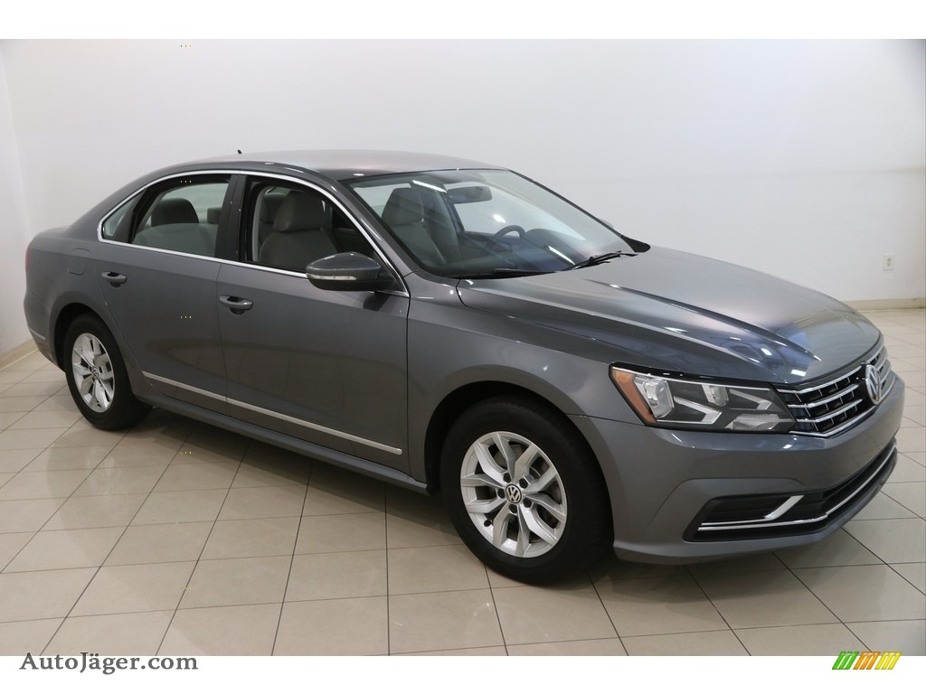 2017 Passat S Sedan - Platinum Gray Metallic / Moonrock Gray photo #1