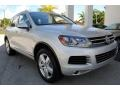Volkswagen Touareg V6 Lux 4Motion Cool Silver Metallic photo #2