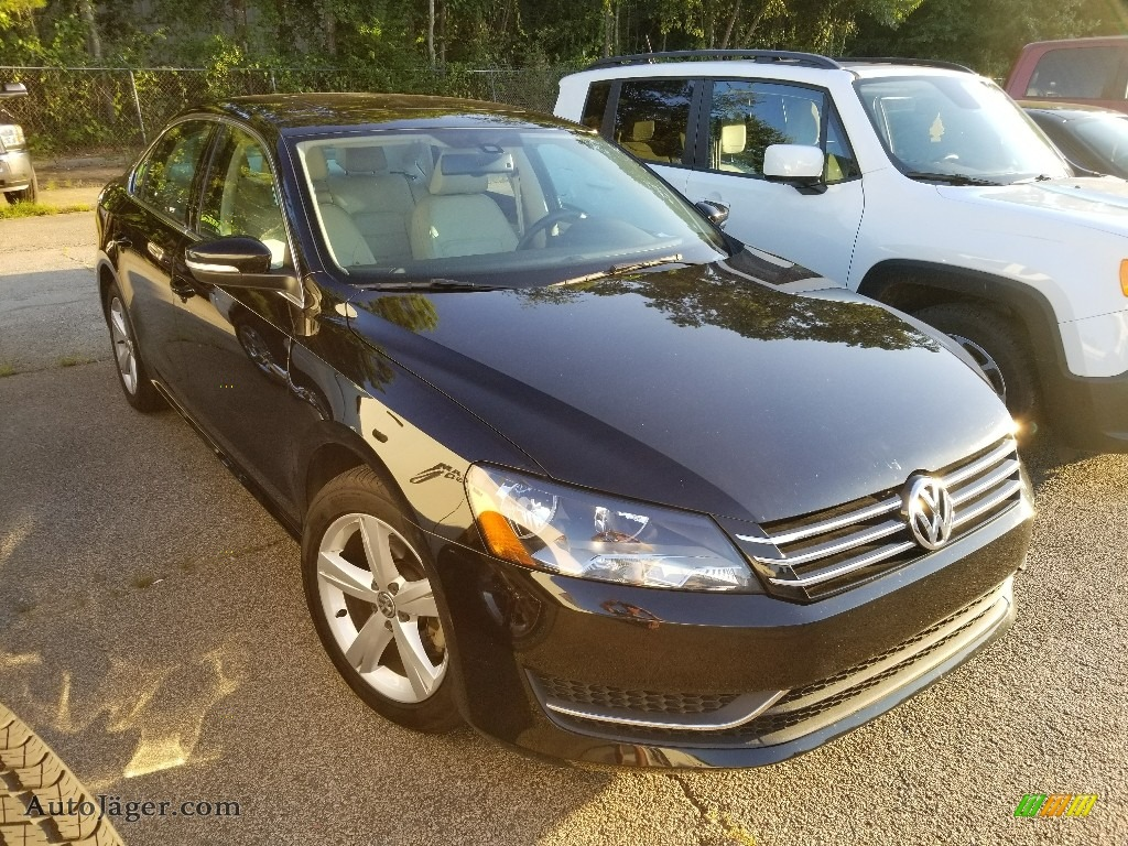 2013 Passat 2.5L SE - Black / Cornsilk Beige photo #1