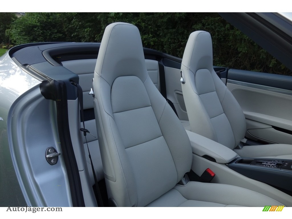 2017 911 Carrera 4 Cabriolet - Rhodium Silver Metallic / Graphite Blue/Chalk photo #18