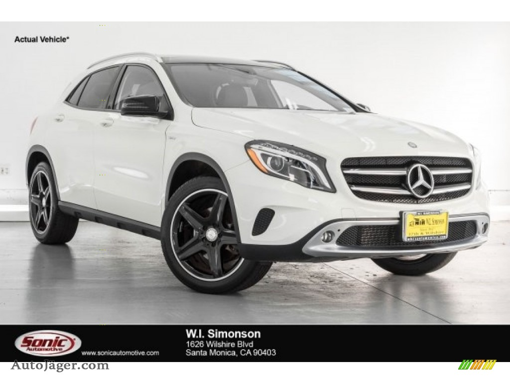 2015 GLA 250 4Matic - Cirrus White / Brown photo #1