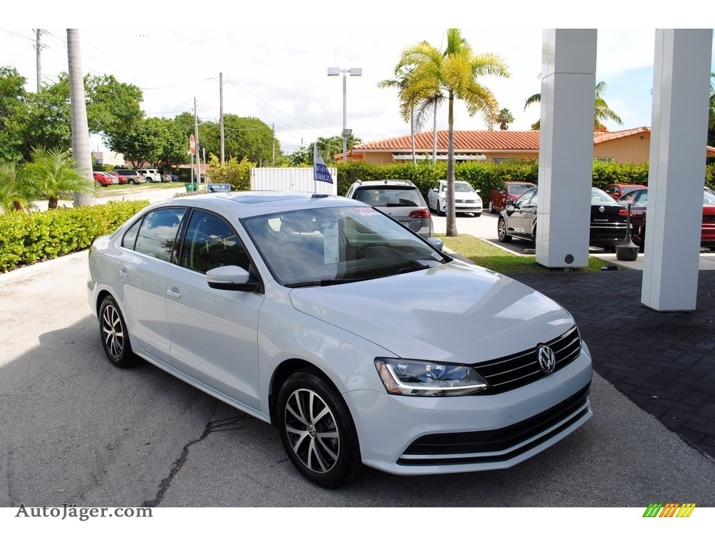 2017 Jetta SE - White Silver / Titan Black photo #1