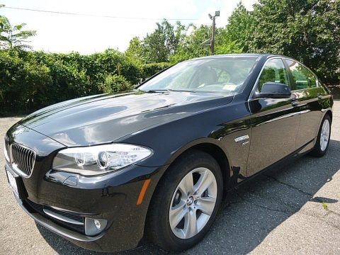 Black Sapphire Metallic 2012 BMW 5 Series 528i xDrive Sedan