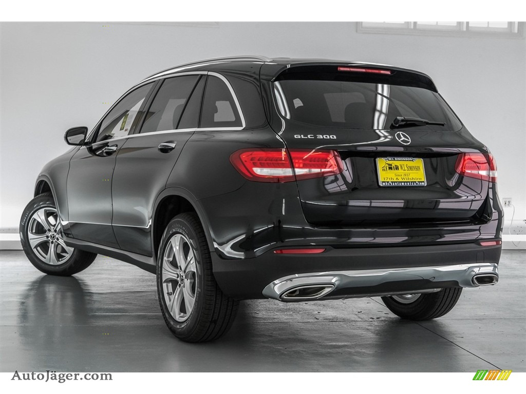 2018 GLC 300 - Black / Black photo #3