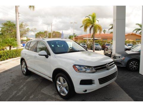 Pure White 2014 Volkswagen Touareg V6 Lux 4Motion