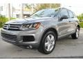 Volkswagen Touareg V6 Lux 4Motion Canyon Gray Metallic photo #5