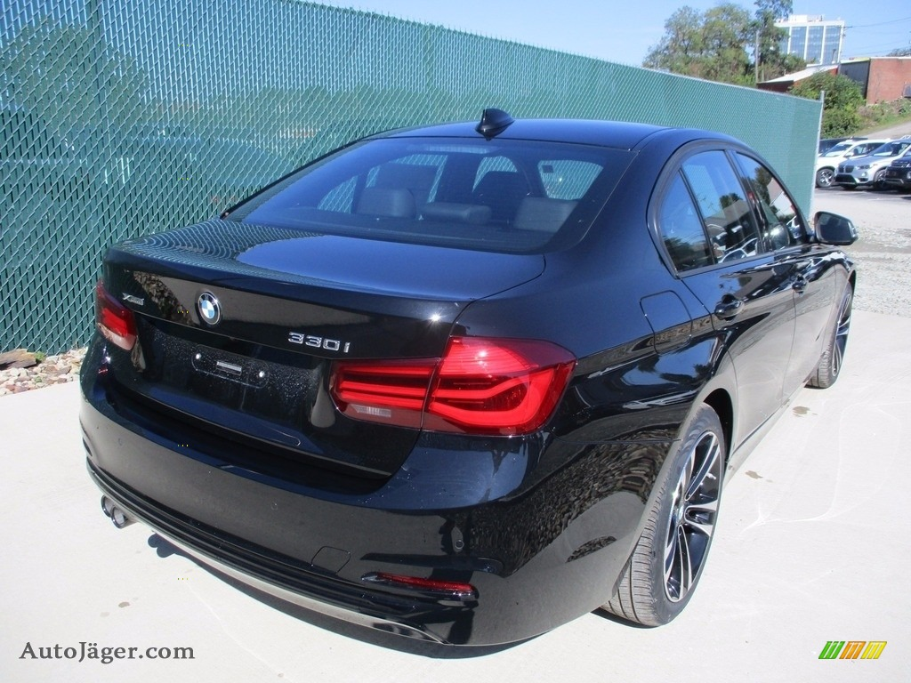 2018 3 Series 330i xDrive Sedan - Jet Black / Black photo #3
