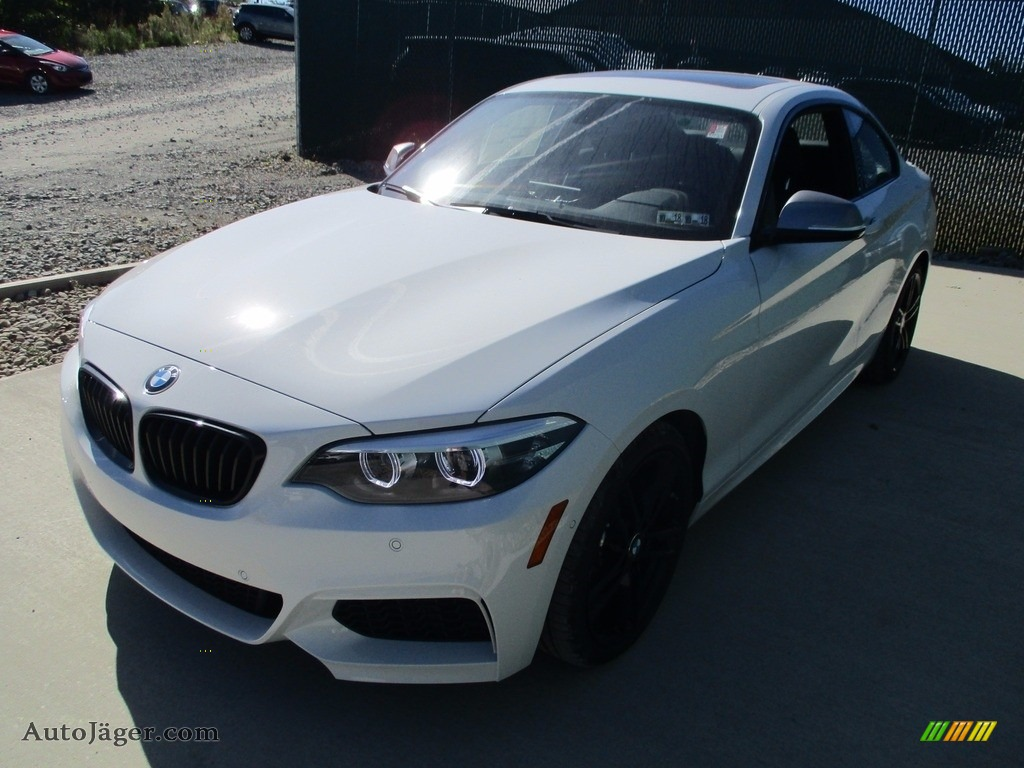 2018 2 Series M240i xDrive Coupe - Alpine White / Black photo #8