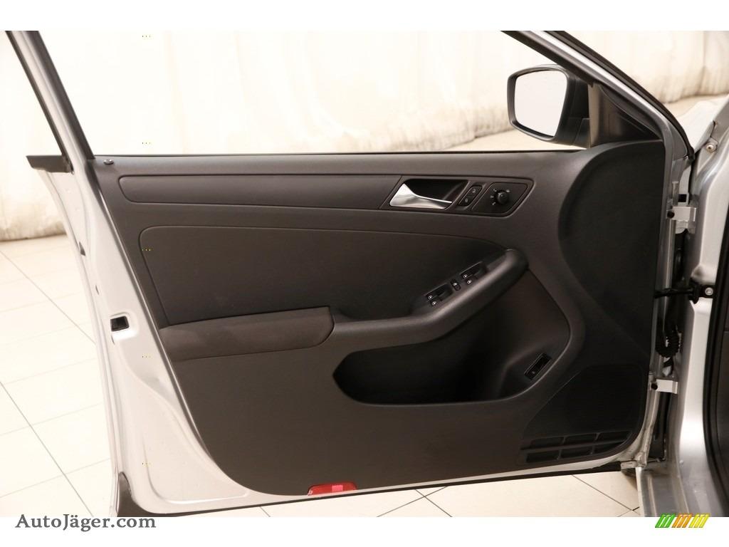 2011 Jetta S Sedan - Reflex Silver Metallic / Titan Black photo #4