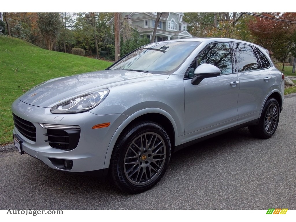 2017 Cayenne Platinum Edition - Rhodium Silver Metallic / Black photo #1