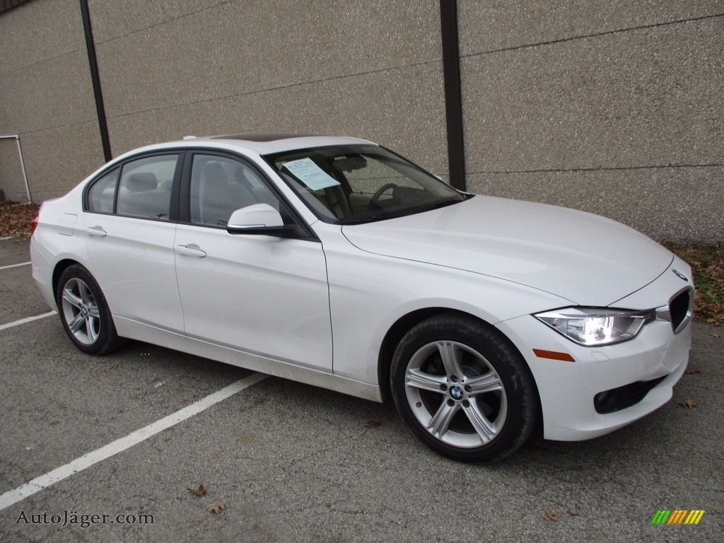 Alpine White / Venetian Beige BMW 3 Series 328i xDrive Sedan