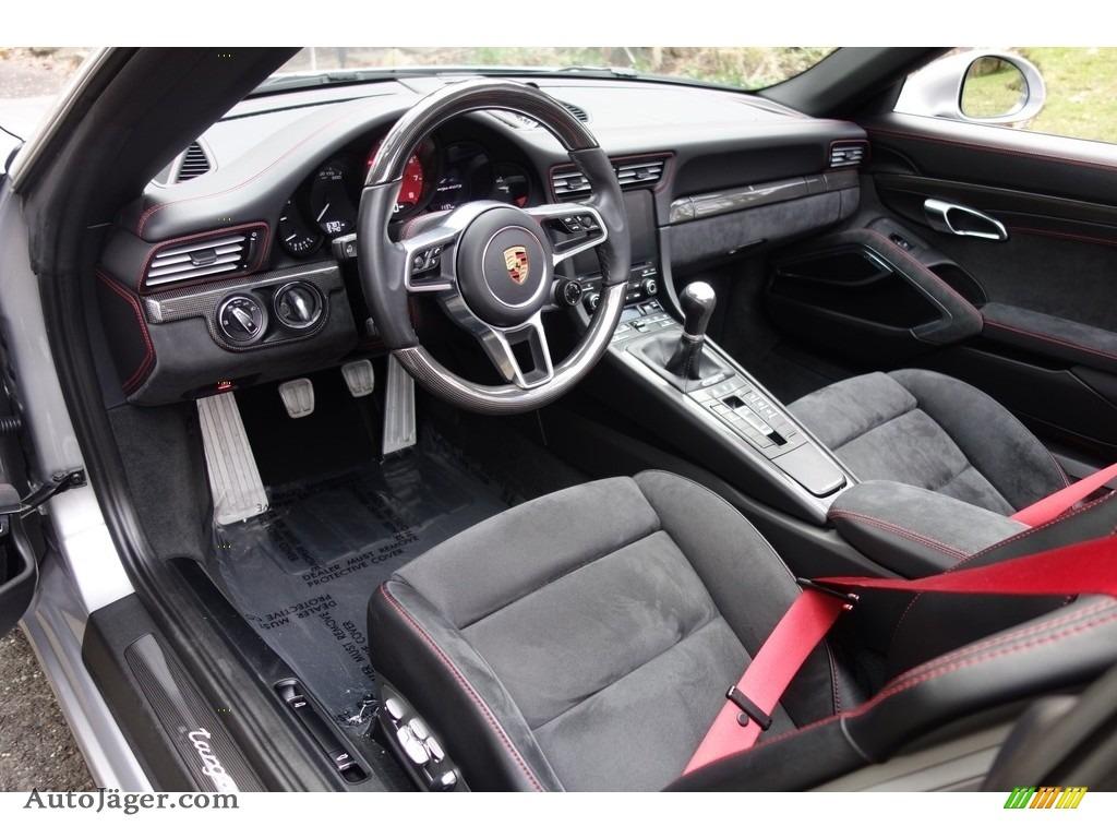 2017 911 Targa 4 GTS - GT Silver Metallic / Black photo #12