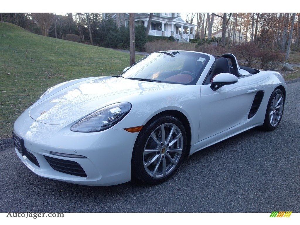White / Black/Bordeaux Red Porsche 718 Boxster