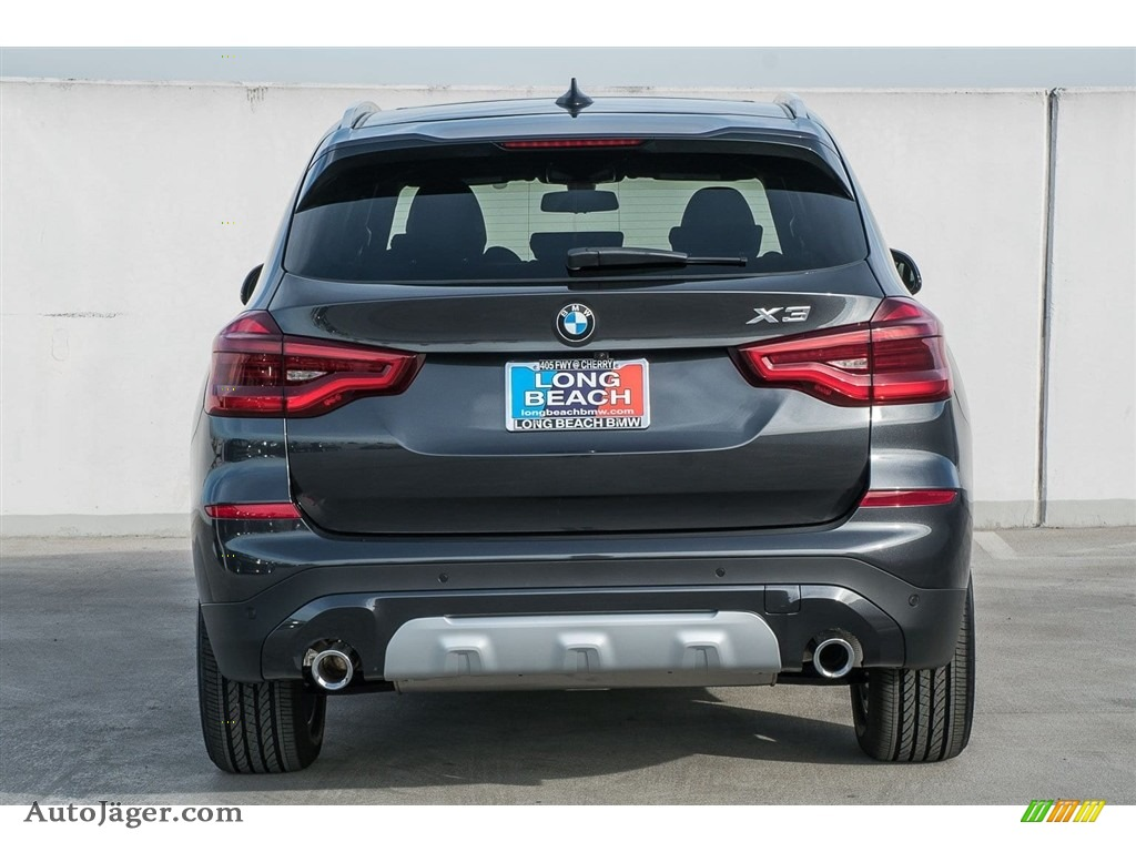 2018 X3 xDrive30i - Dark Graphite Metallic / Black photo #4