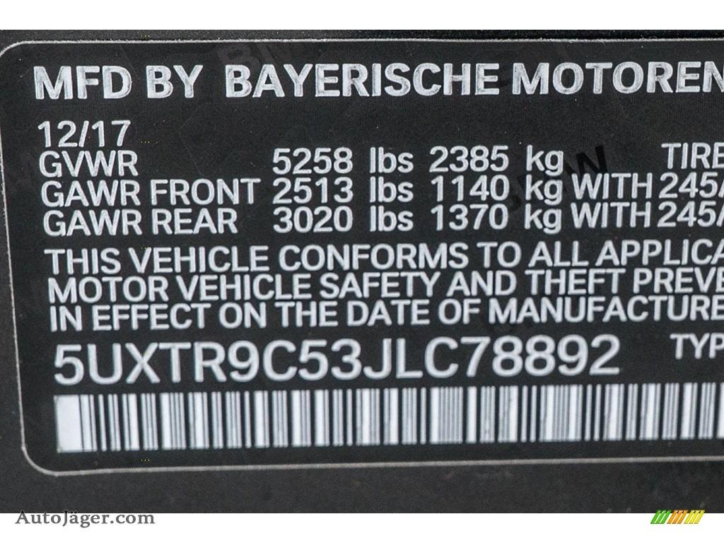 2018 X3 xDrive30i - Dark Graphite Metallic / Black photo #11