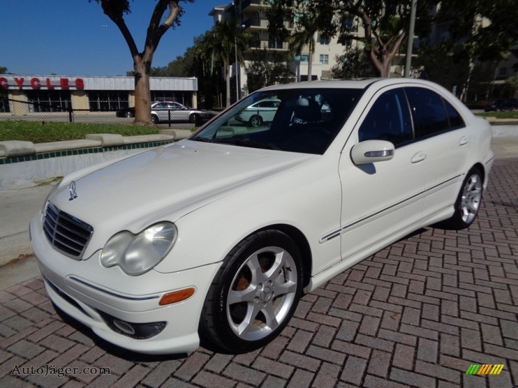 Arctic White / Black Mercedes-Benz C 230 Sport