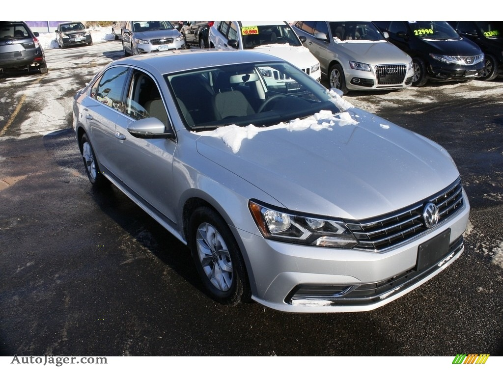2016 Passat S Sedan - Reflex Silver Metallic / Titan Black photo #1