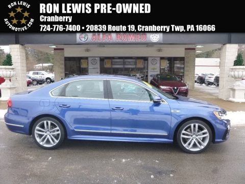 Reef Blue Metallic 2017 Volkswagen Passat R-Line Sedan