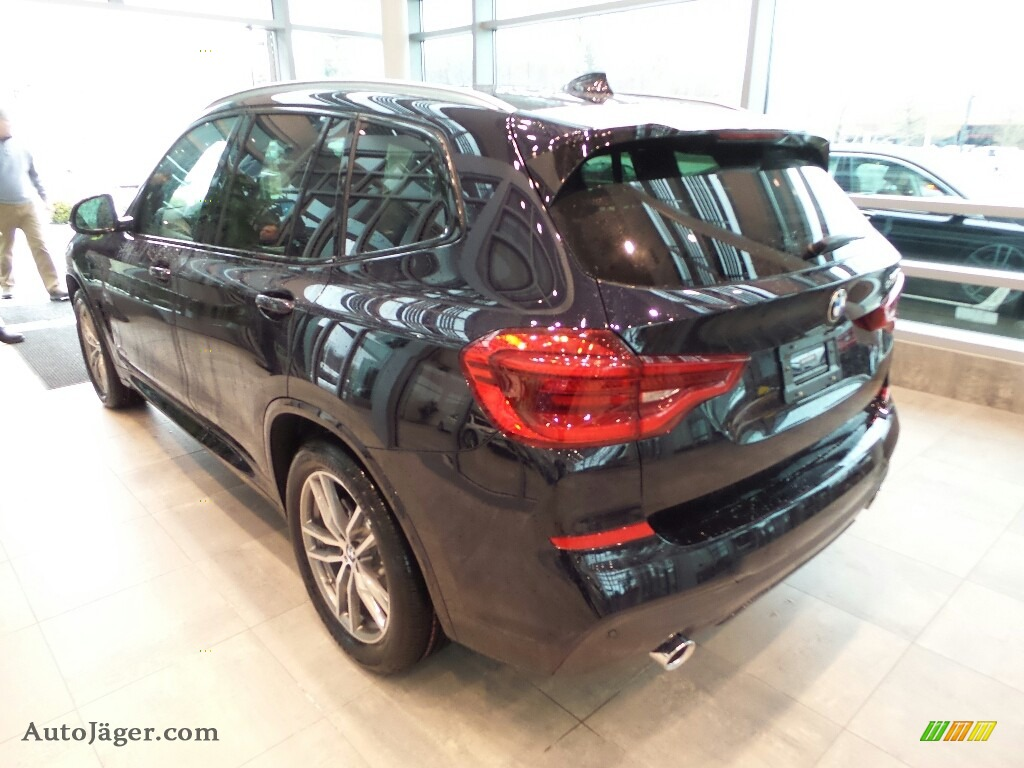 2018 X3 xDrive30i - Carbon Black Metallic / Black photo #2