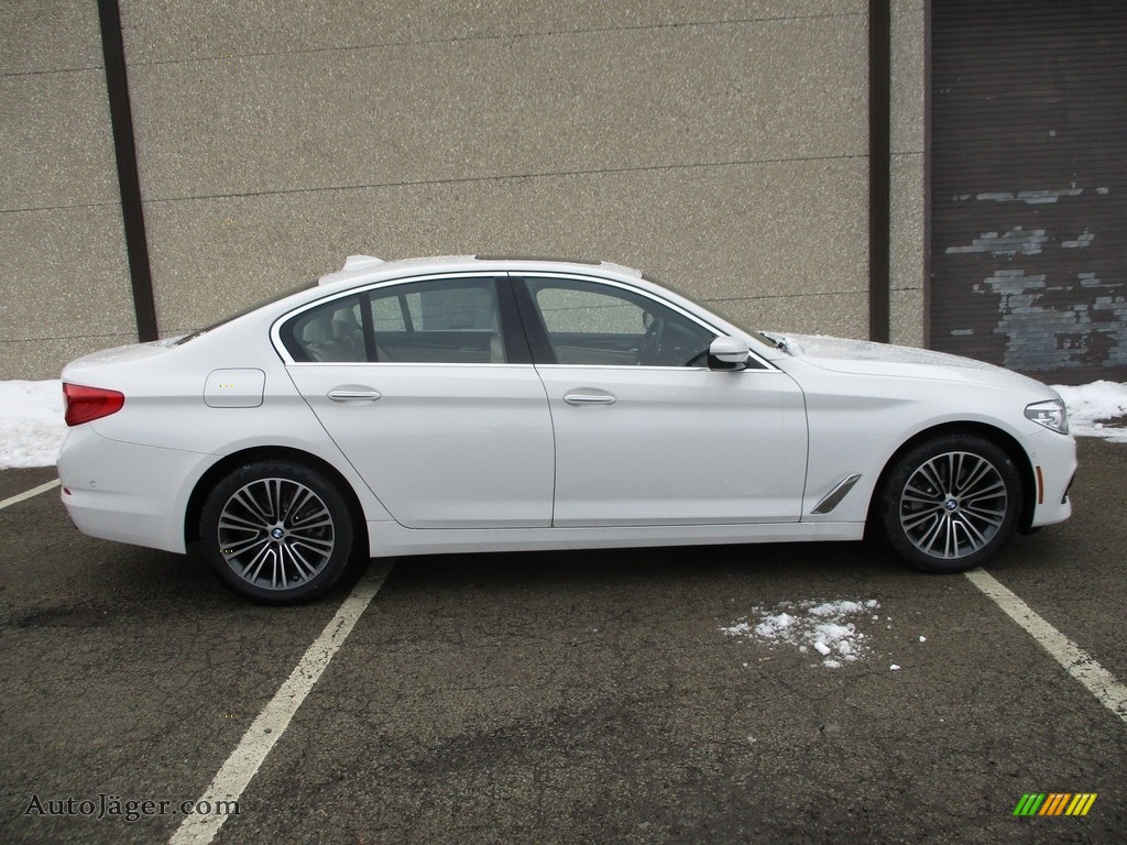 2018 5 Series 540i xDrive Sedan - Alpine White / Canberra Beige/Black photo #2