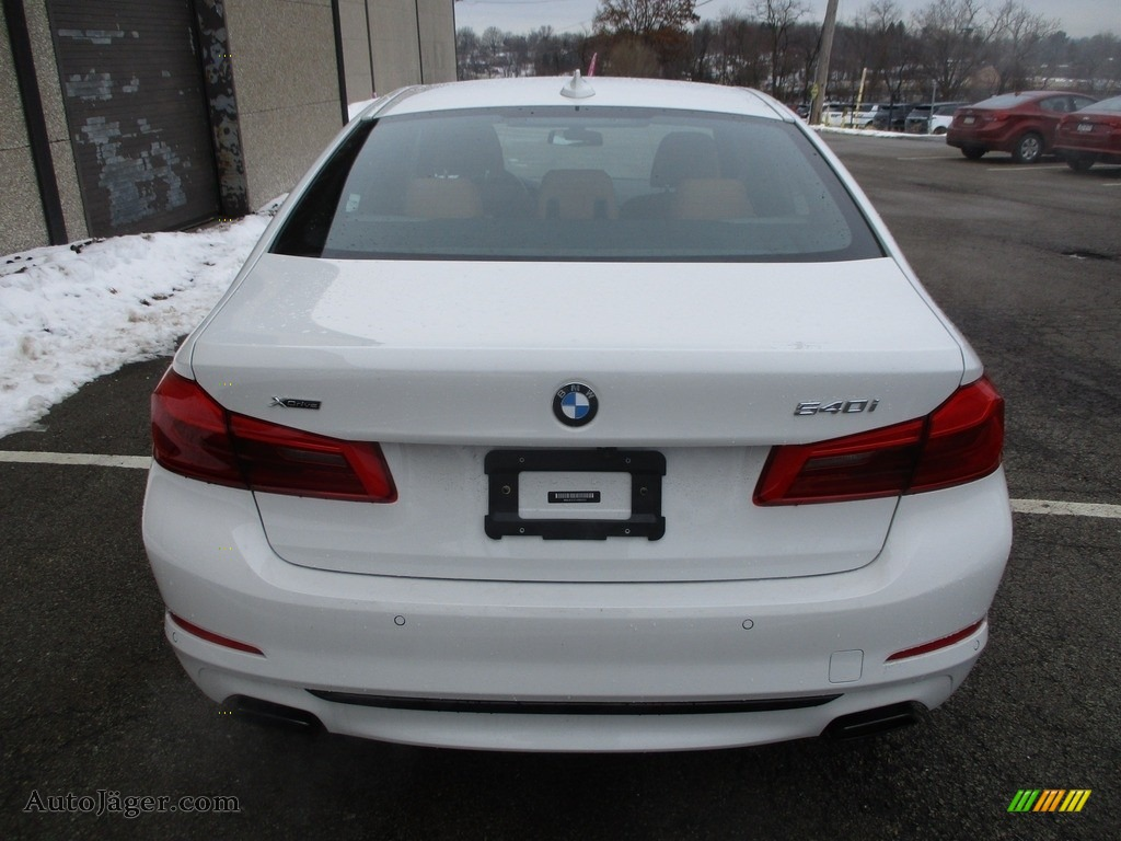 2018 5 Series 540i xDrive Sedan - Alpine White / Cognac photo #4