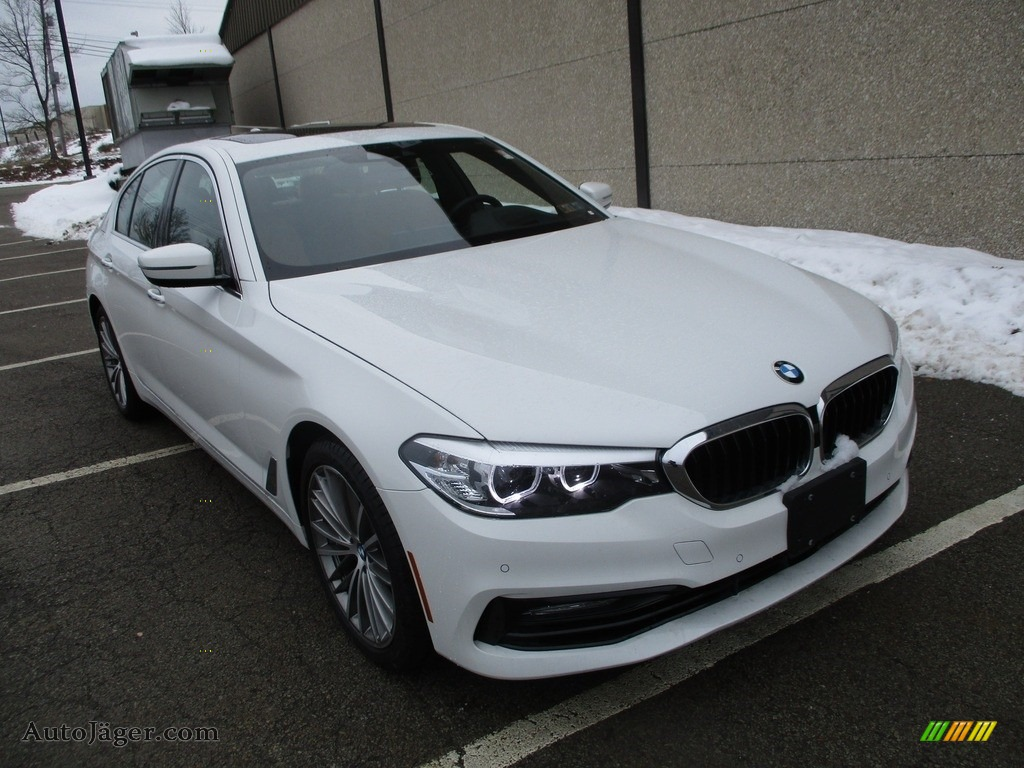 2018 5 Series 540i xDrive Sedan - Alpine White / Cognac photo #9
