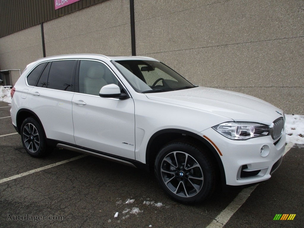 2018 X5 xDrive35i - Alpine White / Canberra Beige/Black photo #1