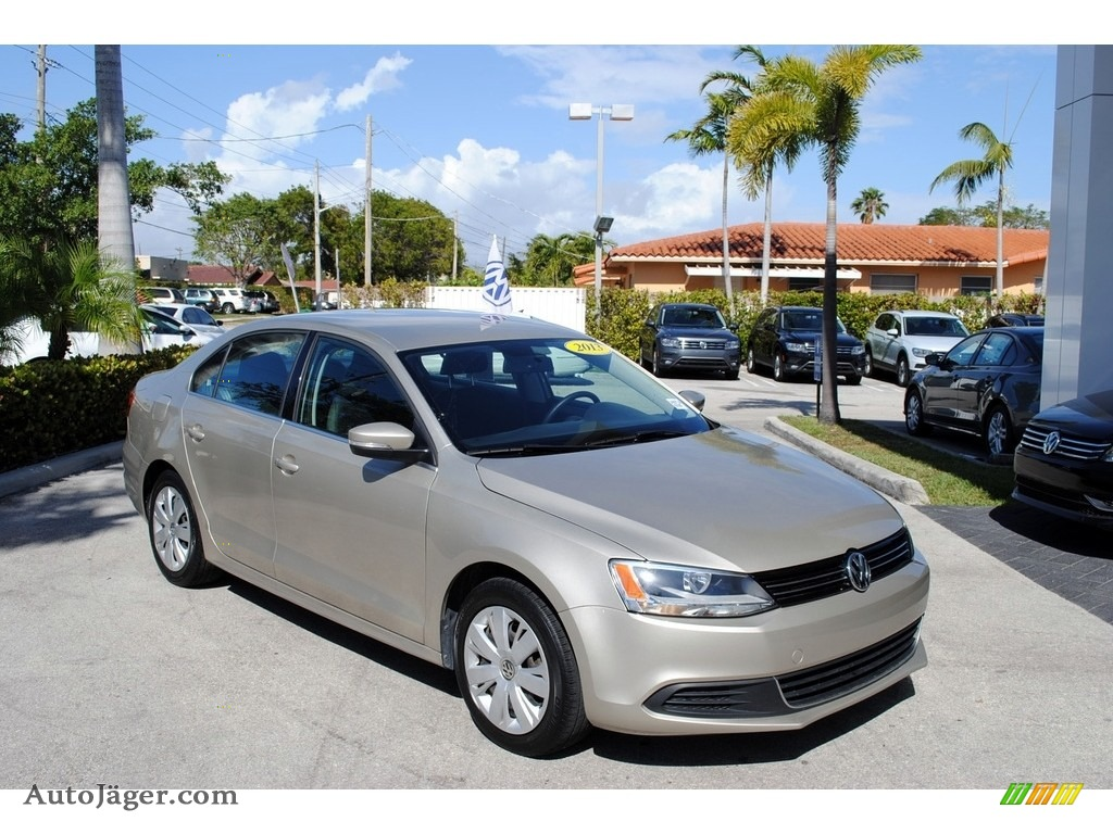 2013 Jetta SE Sedan - Moonrock Silver Metallic / Titan Black photo #1