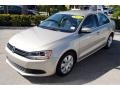 Volkswagen Jetta SE Sedan Moonrock Silver Metallic photo #4