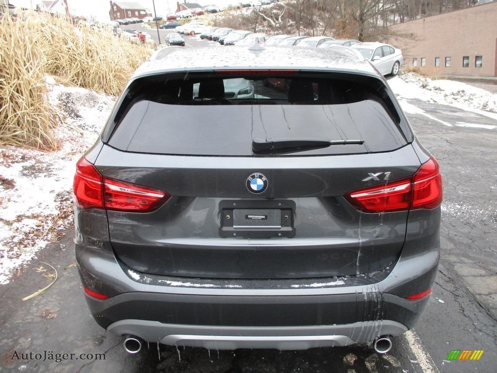 2018 X1 xDrive28i - Mineral Grey Metallic / Black photo #4