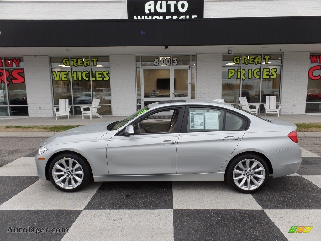Glacier Silver Metallic / Everest Grey/Black Highlight BMW 3 Series 328i Sedan