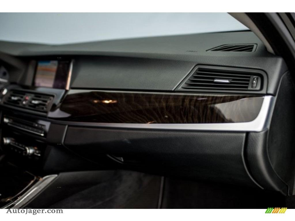 2015 5 Series 528i Sedan - Jet Black / Black photo #22