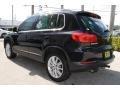 Volkswagen Tiguan SE 4Motion Deep Black Metallic photo #7