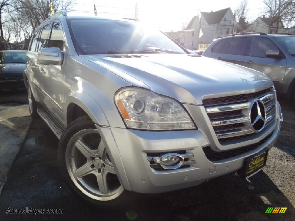 2009 GL 550 4Matic - Iridium Silver Metallic / Black photo #1