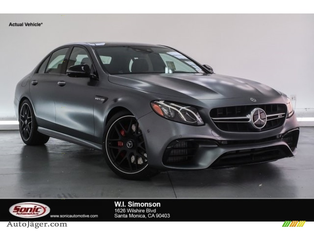 designo Selenite Grey Magno (Matte) / Black Mercedes-Benz E AMG 63 S 4Matic