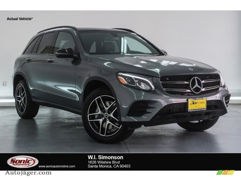 2018 GLC 350e 4Matic - Selenite Grey Metallic / Black photo #1