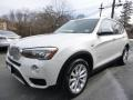BMW X3 xDrive28i Mineral White Metallic photo #1