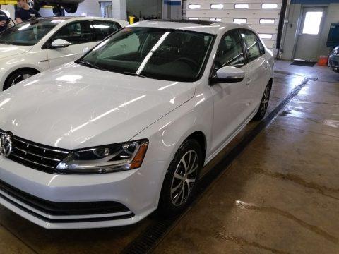 White Silver Metallic 2018 Volkswagen Jetta SE