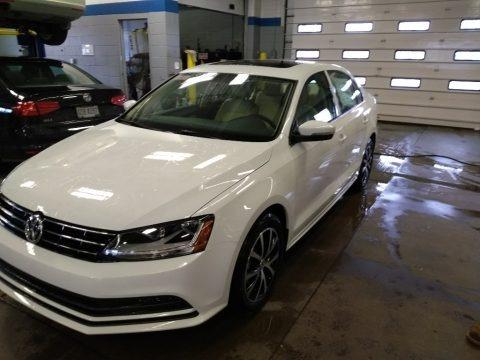 Pure White 2018 Volkswagen Jetta SE