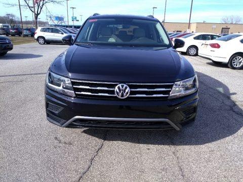 Deep Black Pearl 2018 Volkswagen Tiguan S 4MOTION