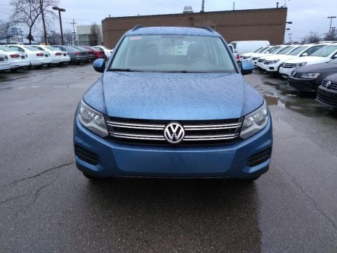 Pacific Blue Metallic 2017 Volkswagen Tiguan Limited 2.0T 4Motion