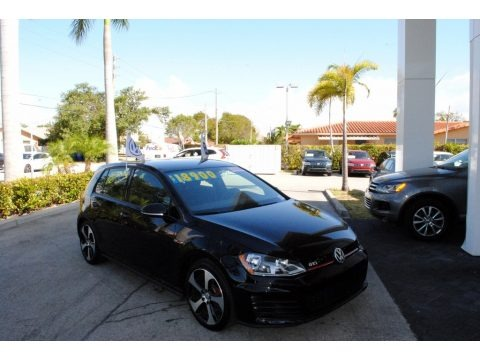 Deep Black Pearl 2017 Volkswagen Golf GTI 4-Door 2.0T S
