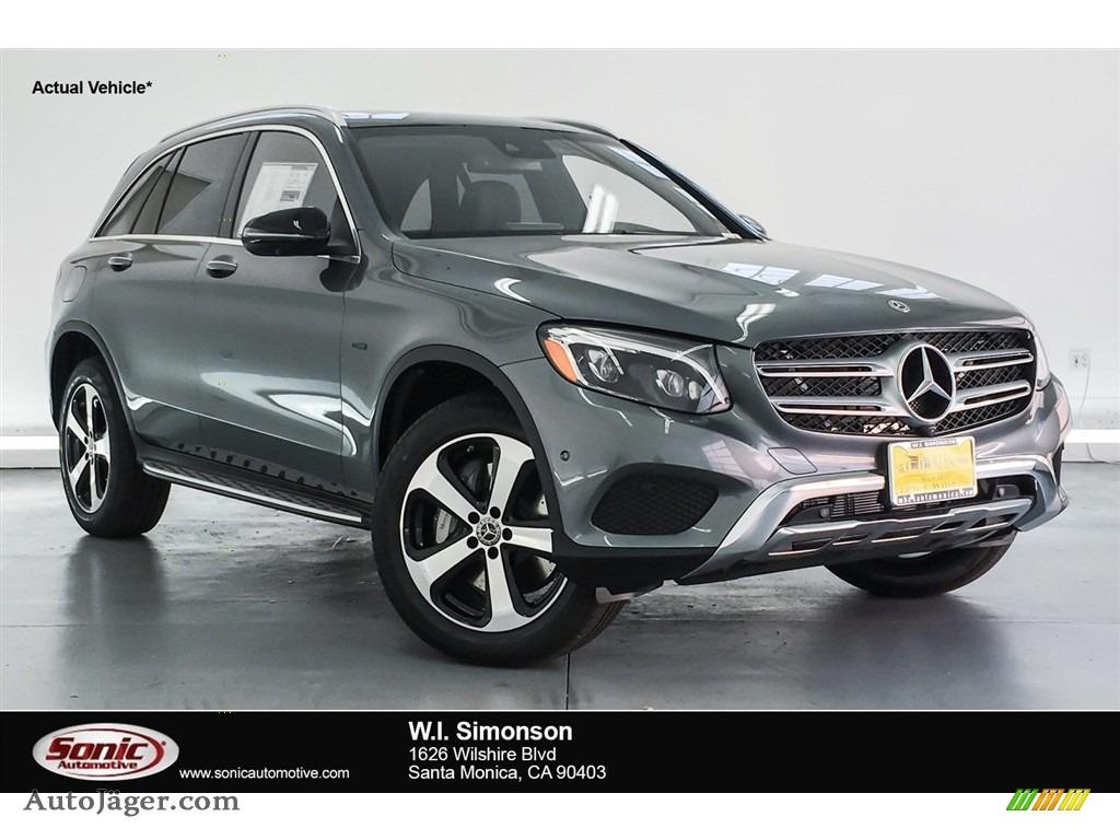 2018 GLC 350e 4Matic - Selenite Grey Metallic / Black photo #1