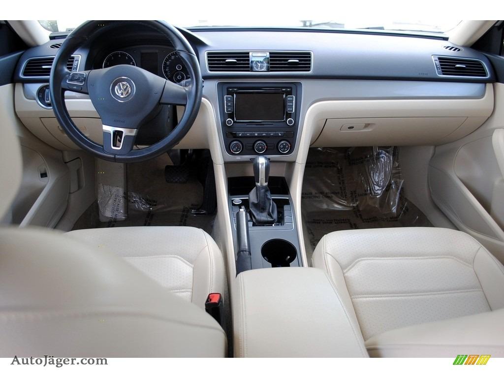 2015 Passat Wolfsburg Edition Sedan - Candy White / Cornsilk Beige photo #13