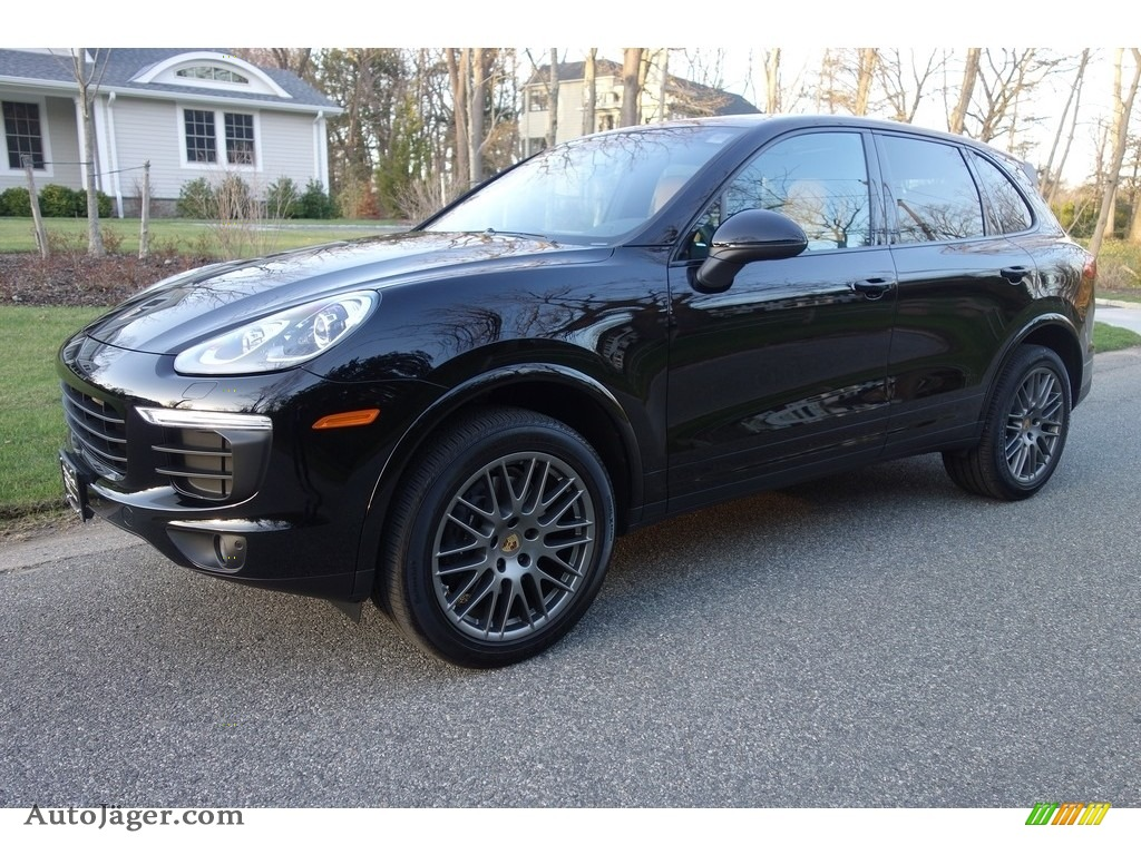 2018 Cayenne Platinum Edition - Black / Black/Luxor Beige photo #1