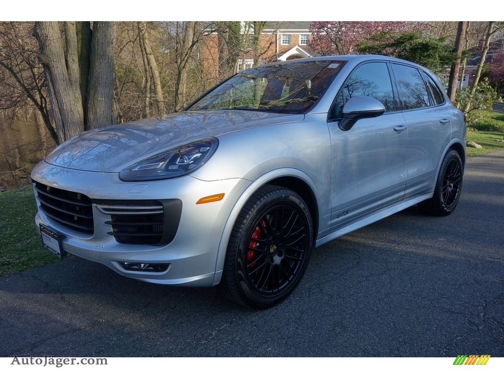 2018 Cayenne GTS - Rhodium Silver Metallic / Black photo #1