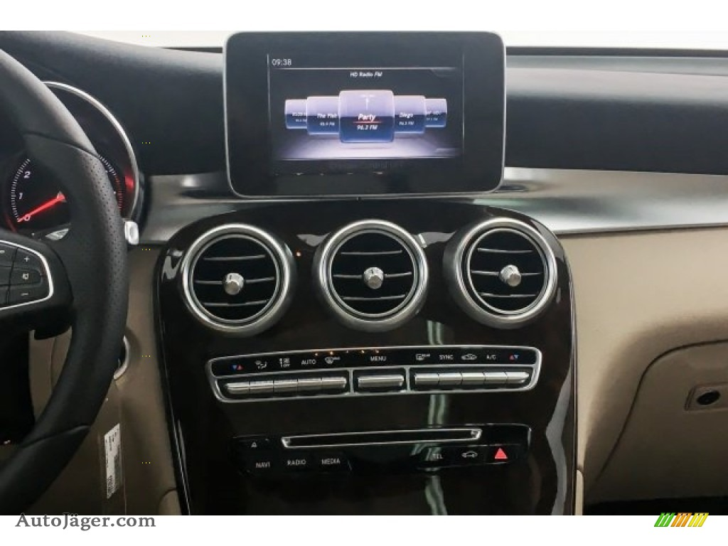 2018 GLC 300 - Polar White / Silk Beige/Black photo #6
