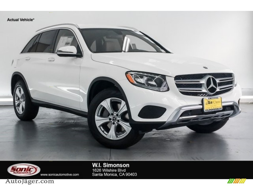 Polar White / Silk Beige/Black Mercedes-Benz GLC 300
